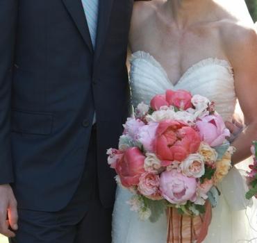 Изысканная нежность: свадебный букет из пионов
